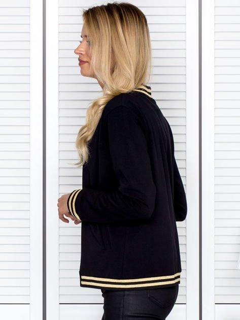Bluza damska z błyszczącym ściągaczem czarna                              zdj.                              5