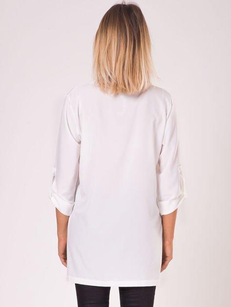 Bluzka ecru V-neck z podwijanymi rękawami                              zdj.                              2