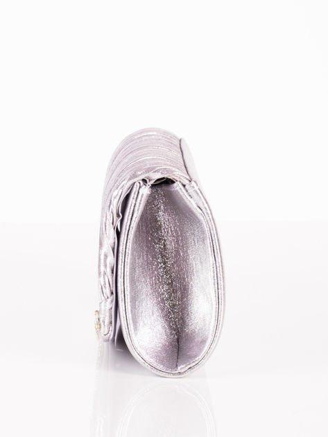 Błyszcząca elegancka kopertówka z dżetami srebrna                              zdj.                              6