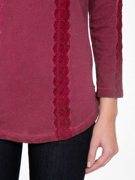 Bordowa bluza z koronkowymi aplikacjami                                  zdj.                                  6