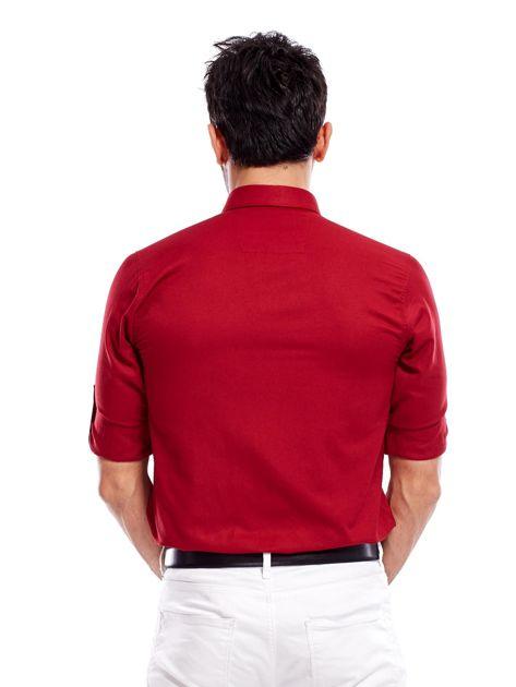 Bordowa koszula męska regular fit z podwijanymi rękawami                               zdj.                              3