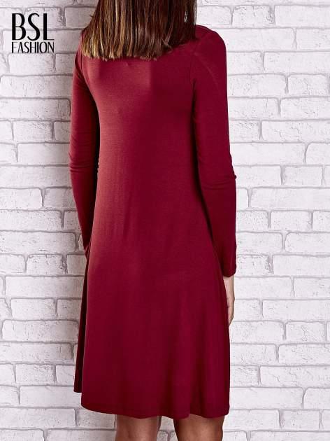 Bordowa lejąca sukienka z golfem                                  zdj.                                  2