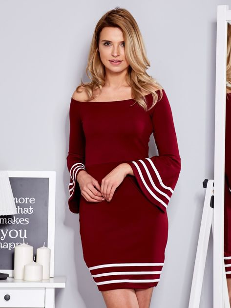 Bordowa sukienka z szerokim rękawem                                  zdj.                                  1