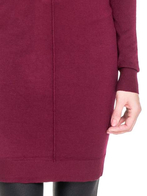 Bordowa swetrowa sukienka z golfem                                  zdj.                                  4