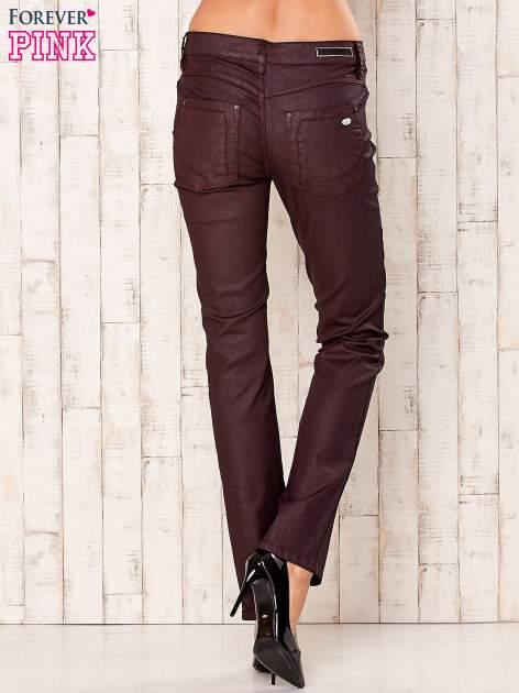 Bordowe spodnie regular                                  zdj.                                  3