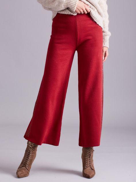 Bordowe szerokie spodnie z dzianiny                              zdj.                              1