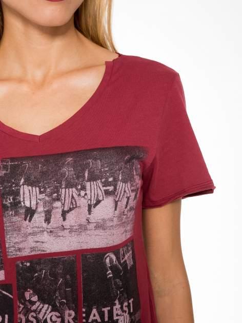 Bordowy t-shirt cropped z nadrukiem basketball                                  zdj.                                  6