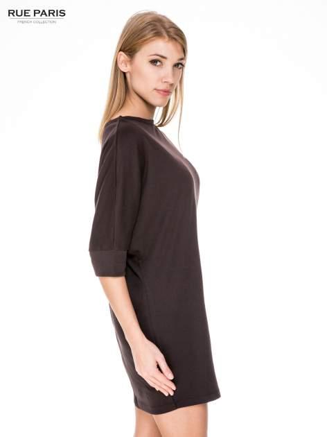 Brązowa bawełniana sukienka z luźnym rękawem                                  zdj.                                  3