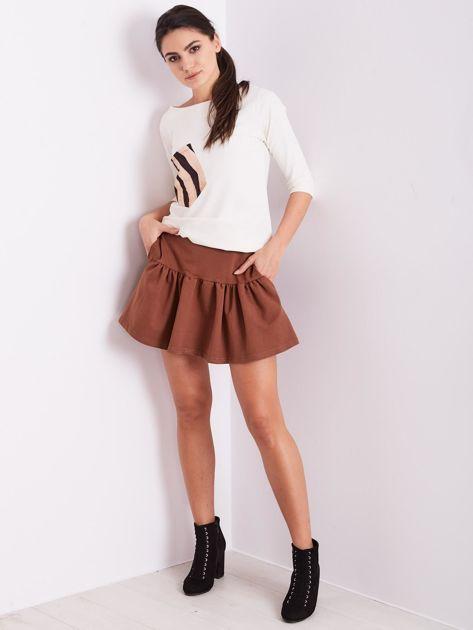 Brązowa dresowa spódnica z falbaną                               zdj.                              4