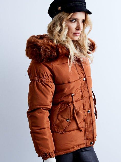 Brązowa kurtka zimowa pikowana                              zdj.                              3
