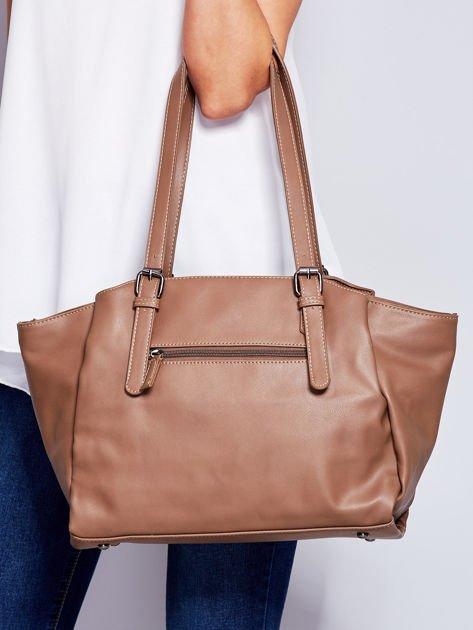 Brązowa miękka torba w miejskim stylu                              zdj.                              2