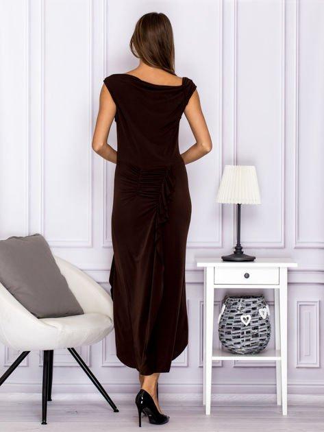 Brązowa sukienka maxi z dłuższym tyłem                              zdj.                              2