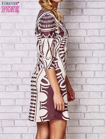 Brązowa sukienka w geometryczne wzory                                  zdj.                                  4