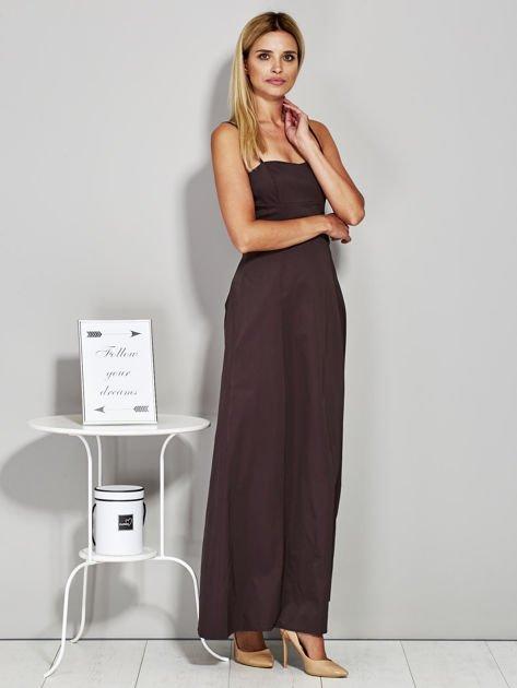 Brązowa sukienka wieczorowa z drapowaniem                              zdj.                              5
