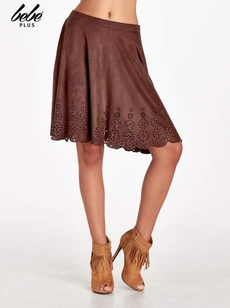 Brązowa zamszowa spódnica w stylu boho