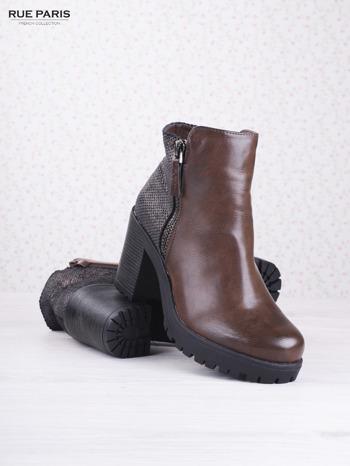 Brązowe botki faux leather z ciemną wstawką ze skóry węża zapinane na suwak                                  zdj.                                  3