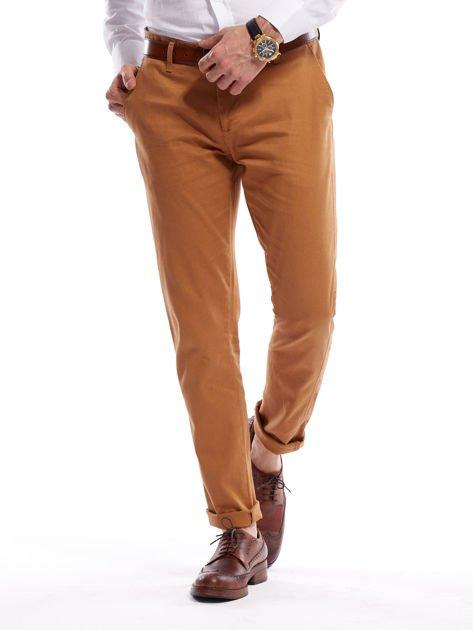 Brązowe spodnie męskie chinosy o prostym kroju                              zdj.                              13