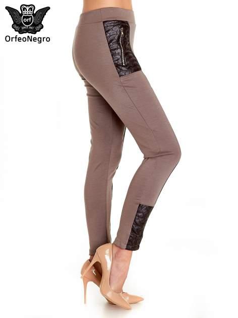 Brązowe spodnie w stylu motocyklowym ze skórzanymi wstawkami i suwakami                                  zdj.                                  3