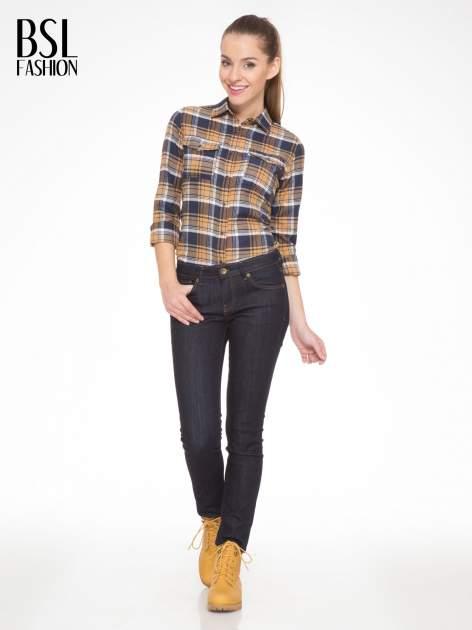 Brązowo-granatowa damska koszula w kratę z kieszonkami                                  zdj.                                  3