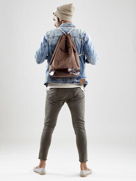 Brązowy materiałowy plecak worek męski                              zdj.                              2
