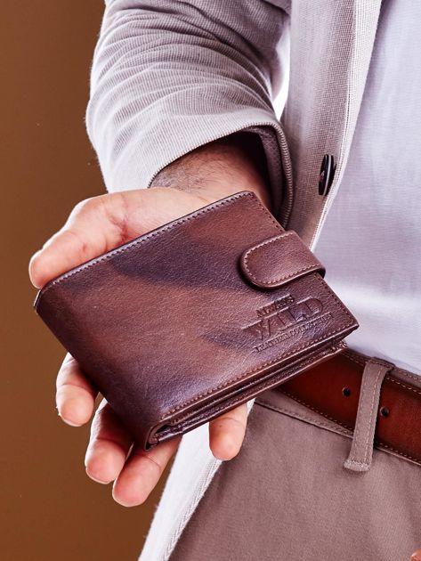 Brązowy męski portfel z cieniowaniem                              zdj.                              2