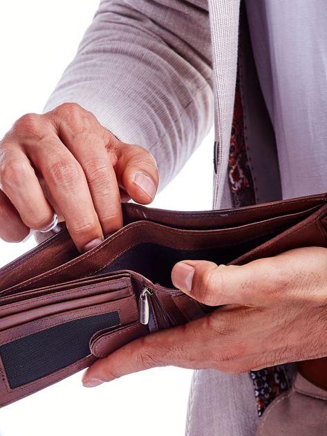 Brązowy męski portfel z cieniowaniem                              zdj.                              3