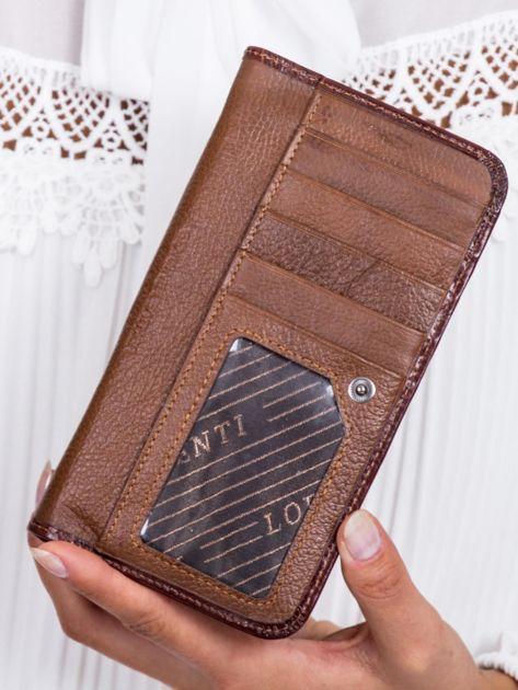 Brązowy portfel damski w motyle                              zdj.                              3