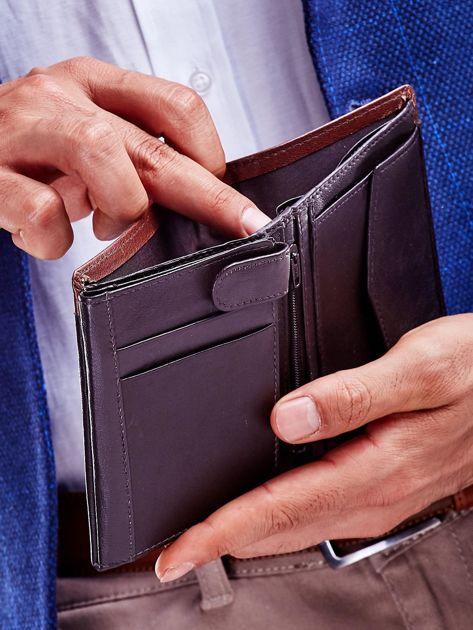 Brązowy portfel dla mężczyzny z ozdobnym wykończeniem                              zdj.                              3