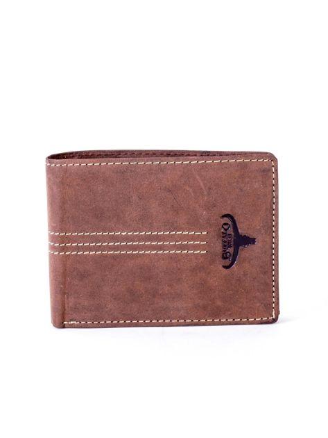Brązowy portfel skórzany z emblematem i przeszyciami                              zdj.                              1