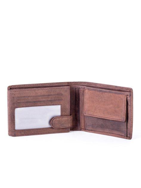 Brązowy portfel skórzany z emblematem i przeszyciami                              zdj.                              4