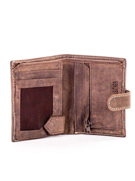Brązowy portfel ze skóry z klapką                              zdj.                              4
