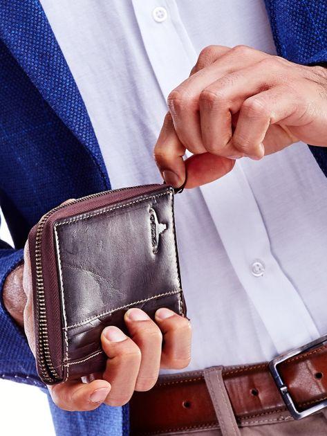 Brązowy skórzany portfel dla mężczyzny na suwak                              zdj.                              2