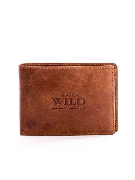 Brązowy skórzany portfel dla mężczyzny z napisem