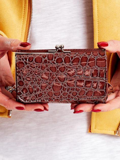 Brązowy tłoczony portfel z zewnętrzną przegródką