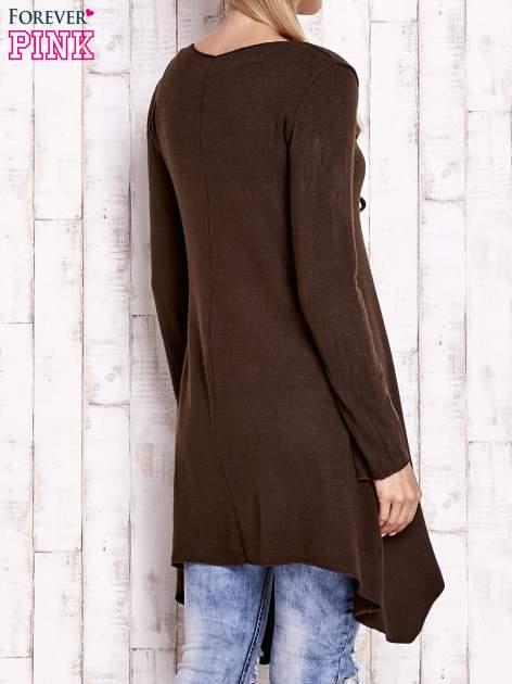 Brązowy wiązany asymetryczny sweter                                  zdj.                                  2