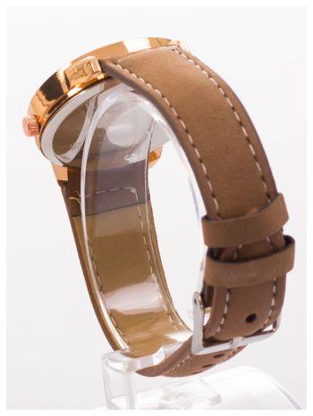 Brązowy zegarek damski z cyrkoniami na skórzanym pasku                                  zdj.                                  4