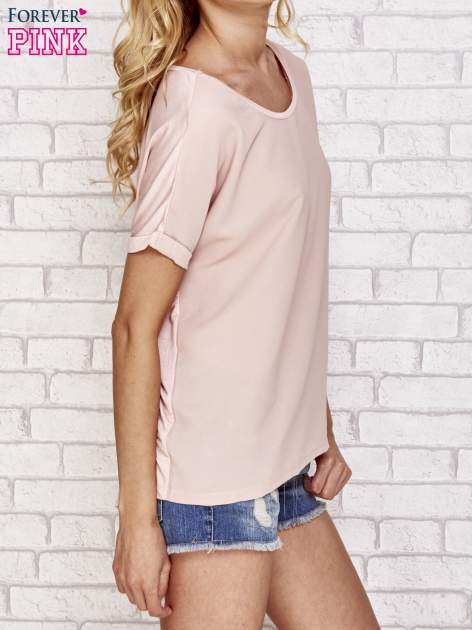 Brzoskwiniowa bluzka koszulowa z koronką z tyłu                                  zdj.                                  3