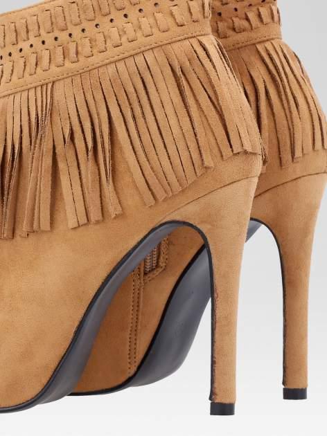 Camelowe botki faux suede Suzie open toe z frędzlami w stylu boho                                  zdj.                                  8