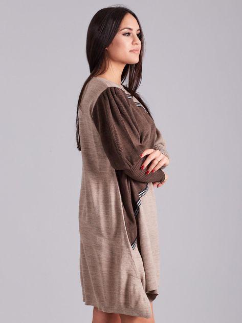 Ciemnobeżowa luźna sukienka z dzianiny                              zdj.                              3