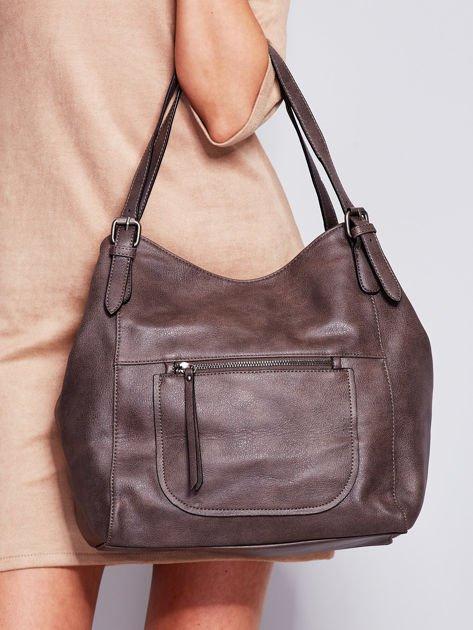 Ciemnobrązowa miękka torba z kieszeniami                                  zdj.                                  2