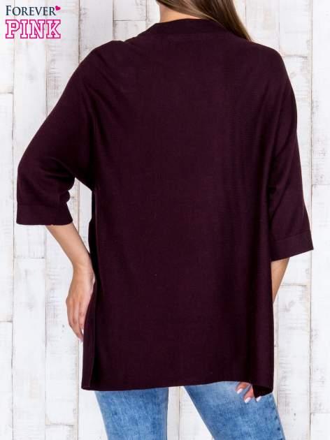 Ciemnobrązowy luźny sweter oversize z bocznymi rozcięciami                                  zdj.                                  4