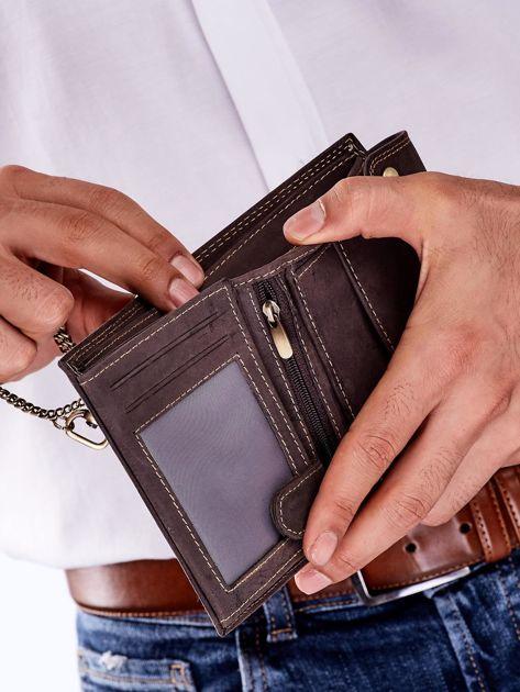 Ciemnobrązowy skórzany portfel męski z łańcuszkiem                              zdj.                              3