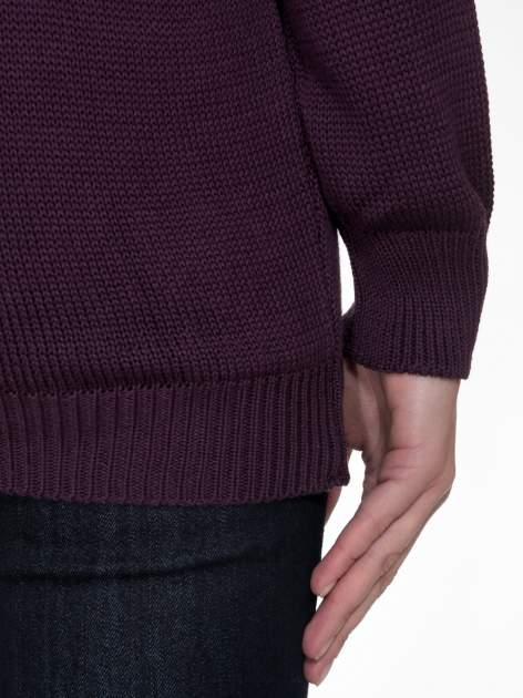Ciemnofioletowy sweter z sercem obszytym frędzlami                                  zdj.                                  8
