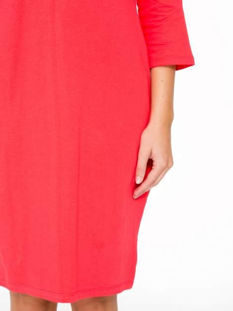 Ciemnokoralowa dresowa sukienka z kieszeniami po bokach                                  zdj.                                  7
