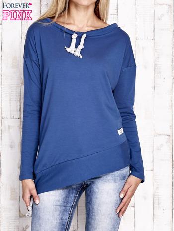 Ciemnoniebieska asymetryczna bluza z troczkami                                  zdj.                                  1