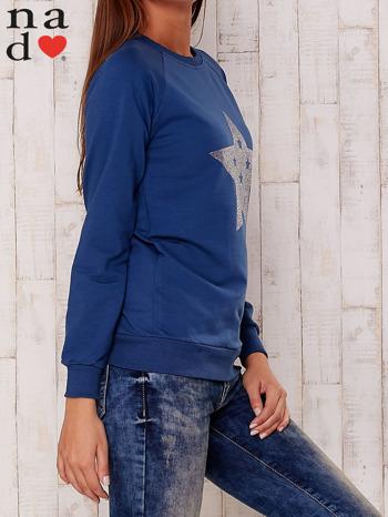 Ciemnoniebieska bluza z nadrukiem gwiazdy                                  zdj.                                  3