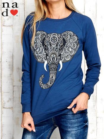 Ciemnoniebieska bluza z nadrukiem słonia                                  zdj.                                  1