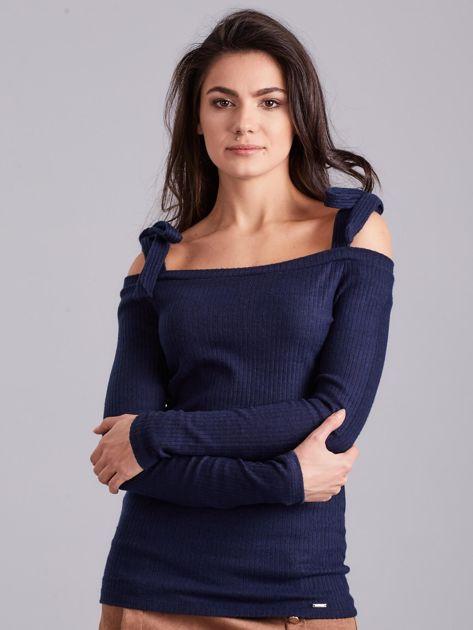 Ciemnoniebieska bluzka w prążek z wiązaniami                              zdj.                              2