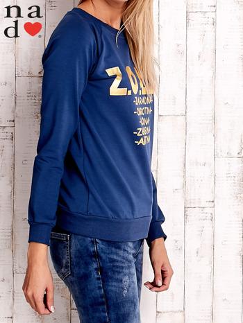Ciemnoniebieska bluzka z napisem ZOŁZA                                  zdj.                                  3