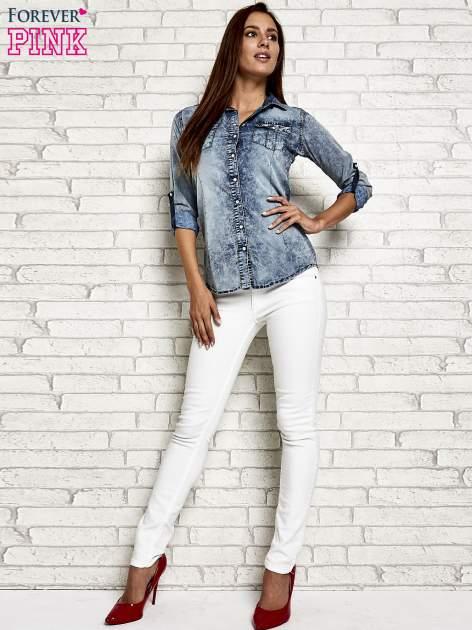 Ciemnoniebieska jeansowa koszula acid wash                                  zdj.                                  2